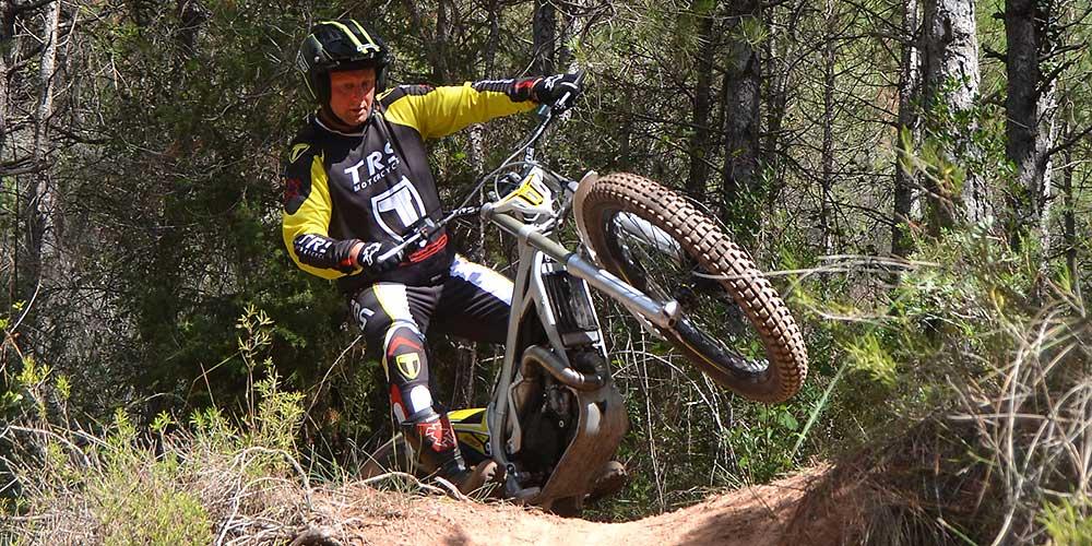 Steve Saunders rides TRS