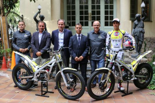 left to right: Marc Arañó, Josep Borrell, Ricard Novel, Ivan Tibau, Jordi Tarrés and Adam Raga
